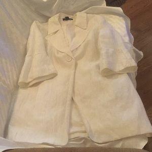 Louben stylish white jacket/blazer